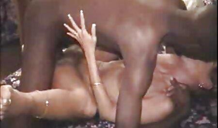 बड़े मम्मे वाली मम्मेको इंग्लिश सेक्स मूवी फुल चूस