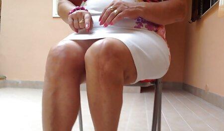 पिटाई विदेशी सेक्सी वीडियो फुल मूवी करते हुए, प्रेमिका, उठो और उसके साथ कैमरा बकवास का आनंद