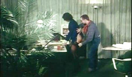 एक थरथानेवाला के साथ व्यस्त पत्नी फुल एचडी सेक्सी फिल्म