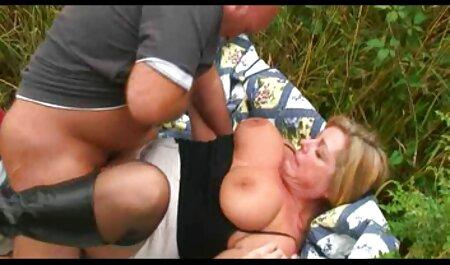 रूस सेक्स मूवी फुल रबर बैंड के साथ छेद संतृप्त