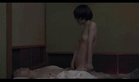 रूसी फूहड़ वीडियो में फुल सेक्सी फिल्म के साथ रूसी समूह घड़ी
