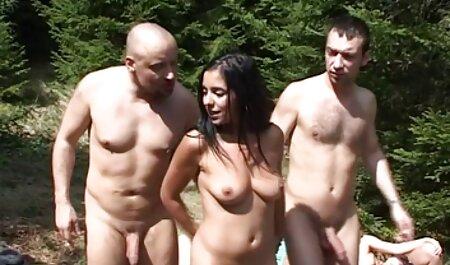 बड चिकन और इंग्लिश सेक्सी फिल्म फुल उसके पसंदीदा, देखते हैं और खेलते हैं