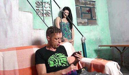 टैटू के साथ गधा श्यामला हिंदी सेक्सी फिल्म फुल में