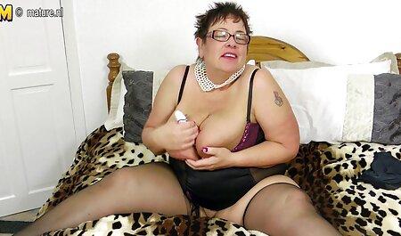 बड़े स्तन अंग्रेजी फुल सेक्सी मूवी के साथ नर्स